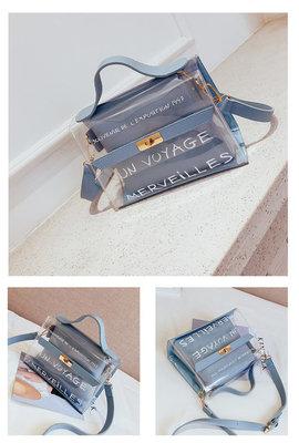 L'exposition Bag Blue